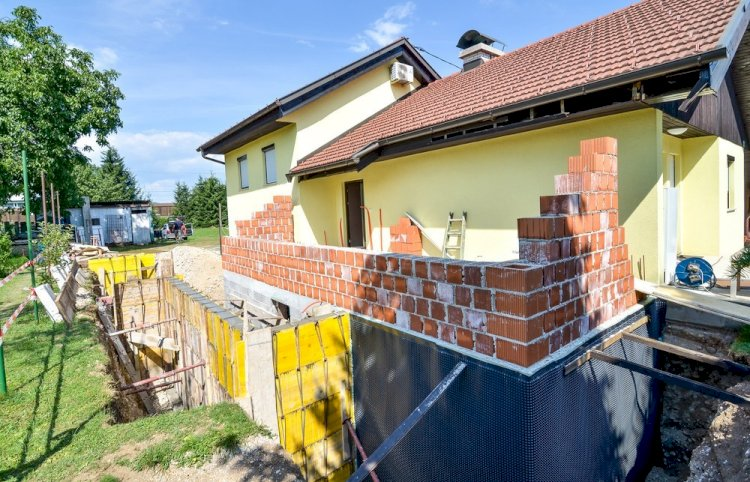 Why Should You Hire House Underpinning Contractors?
