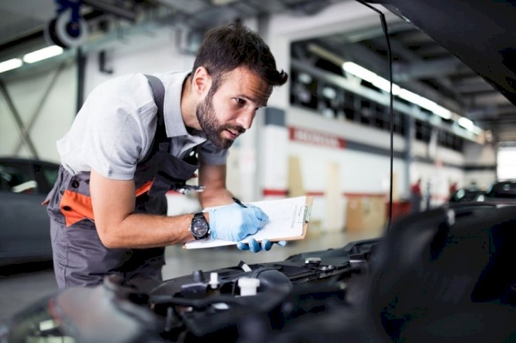 Top 7 Qualifications That Every Car Mechanic Must Have for Conducting Car Repairs