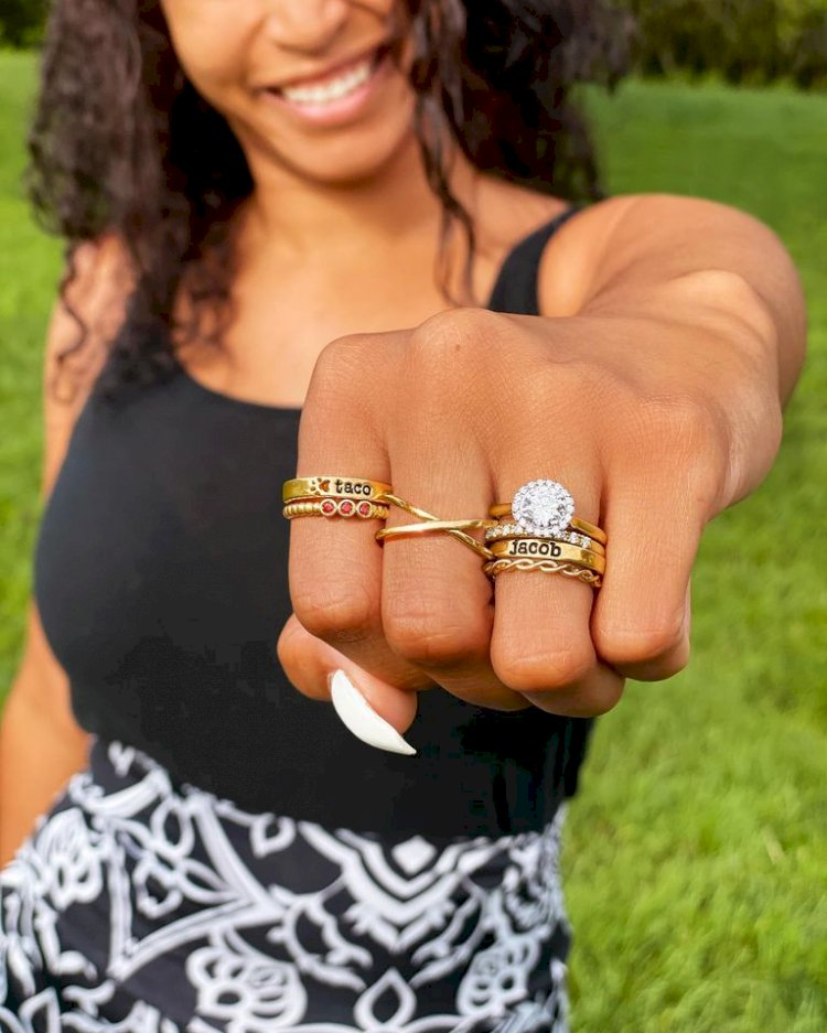 4 Reasons Why You Should Buy Your Engagement Ring Online