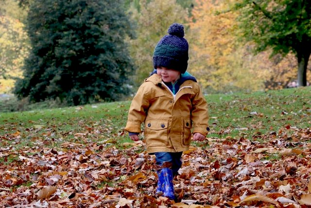 Dressing your toddler for a day in nature