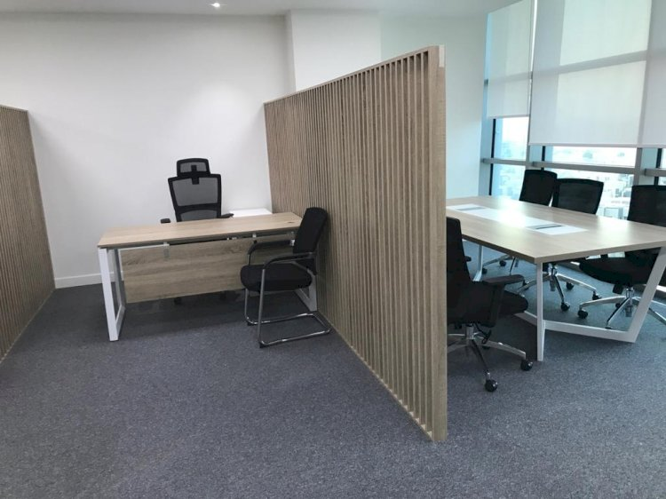 Decorate Your Work Place with Excellent Quality Furniture