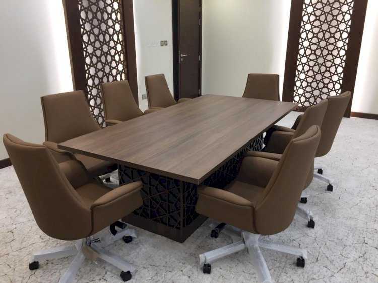 Select Perfect Meeting Tables for Your Company