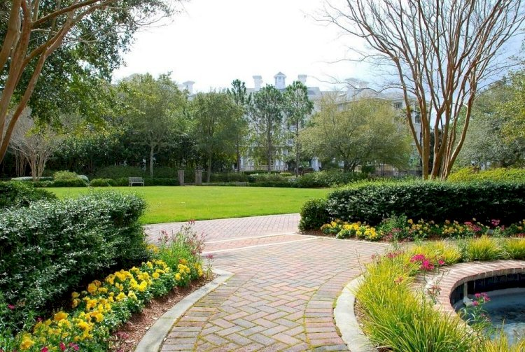 Cobblestone Pavers: Features & the Method to Install Them
