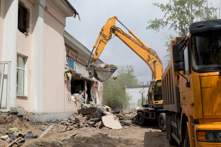 What Are The Various Methods Of House Demolition?