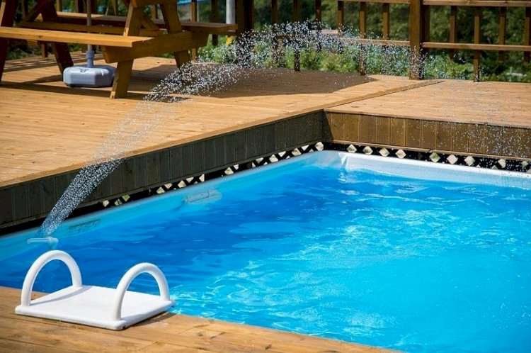 Are You Looking For A Swimming Pool Repair Service Provider