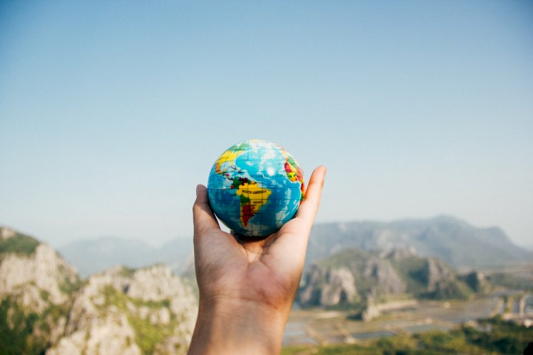 How to Organize Your Family Relocation to Another Continent